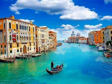 Barevné činžovníky, vodní kanál - Barevné činžovní domy, kanál, Benátky