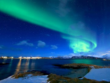 Aurora borealis - light phenomenon ------------------