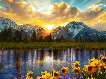 Lake Jackson - Panorama der großen Brustwarzen mit Reflexion in Jackson Lake, Wyoming, USA