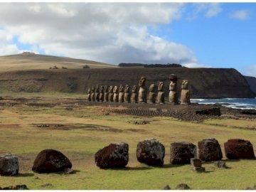 Posągi z Wyspy Wielkanocnej - Moai - posągi z Wyspy Wielkanocnej.