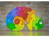 Smíšený chameleon - Smíšený chameleon. Zábavná logická hra pro děti, která vychází z knihy The Mixed Up Chamel
