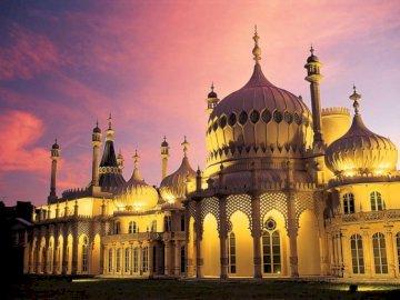 Brighton , Royal Pavilion , architektura - Brighton , Royal Pavilion - dawna rezydencja królewska , muzeum , architektura