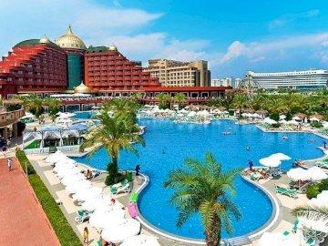Hôtel avec piscine, Riviera turque