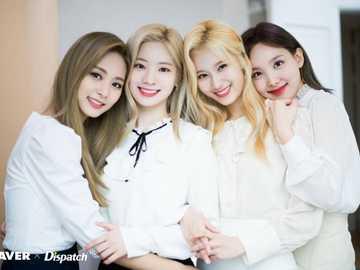 deux fois - 4 belles filles de deux fois