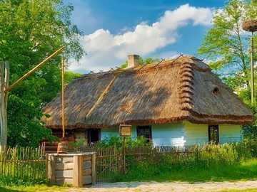 Wiejska Chata Z Gniazdem Bociana - Wiejska Chata, Studnia ,Gniazdo Bociana, Skansen