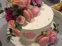 Tort cu flori vii