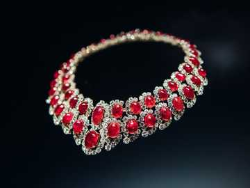Bvlgari necklace - Necklace, jewelry, exhibition