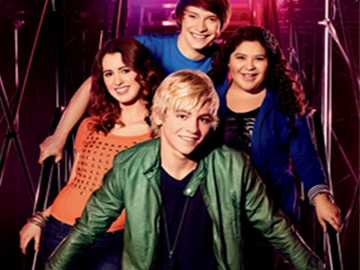 austin and ally - Ross lynch and Laura Marano