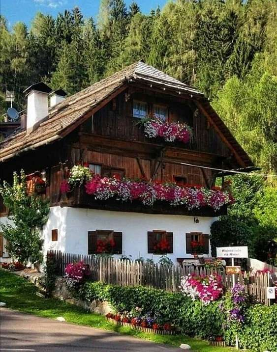 House in the mountains. - Jigsaw puzzle. House in the mountains.
