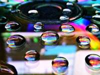 Gotas de agua del arco iris