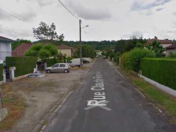 my neighborhood - This is the street in my neighborhood