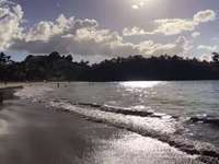 хубавият плаж.
