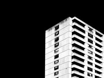 Papel pintado oscuro del edificio - Edificio de hormigón blanco y negro. Westboro, Ottawa, ON, Canadá