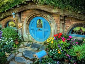 Hobbit's house - Hobbit cottage, New Zealand