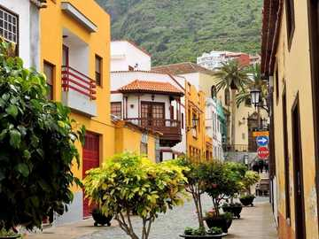 street in Tenerife - Tenerife - colorful homes