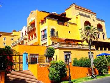 Teneriffa - hotell - Teneriffa - ett hotell i ljusa färger