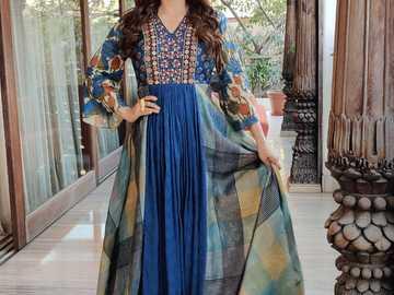 Juhi Chawla - Beautiful Juhi at the photo session