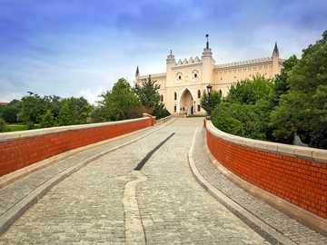 Castello di Lublino - Disporre i puzzle che mostrano il castello di Lublino.