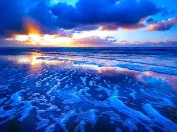 Sunrise at the sea - Όμορφη ανατολή του ηλίου