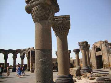 ZVARTNOTS - ARMENIA - Ruinas de la catedral de Zvartnots (641-661)