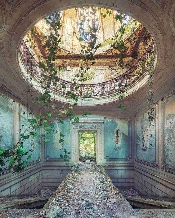 Palácio abandonado