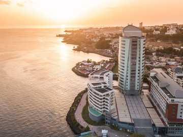 Torre Lumina - È un grattacielo situato nella città di Fort-de-France in Martinica.