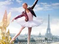 Намери ме в Париж - Препоръчвам да гледате сериала.