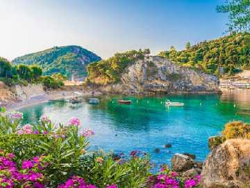 In Corfu. - Puzzle: Vacation on the island of Corfu.
