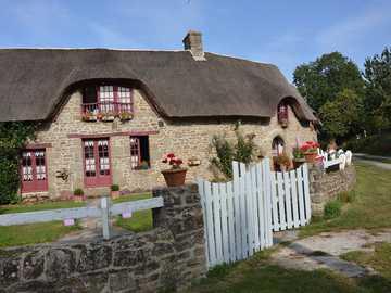 stary dom - stary dom kryty strzechą
