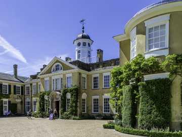 Polesden Lacey - edwardiański dom i posiadłość
