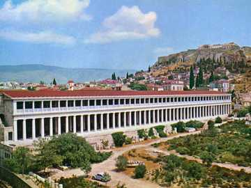 ATALO STOCK - It is one of the most important buildings within the place, delimiting and defining the agora. The b
