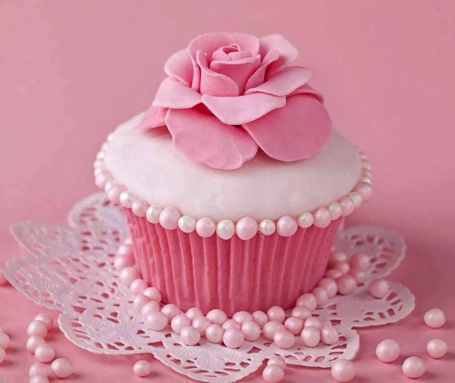Różana babeczka - Babeczka z cukrową różą