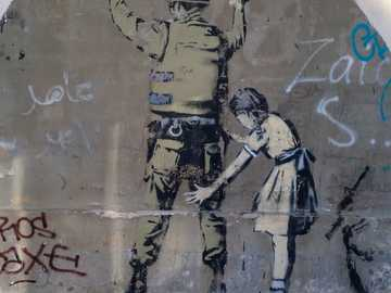 Mädchen und Soldat Wandgrafik - Ich habe einige alte Fotos durchgesehen und bin auf dieses Bild gestoßen, das ich 2014 im Westjorda