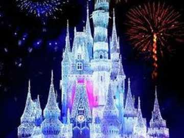 Wielki zamek Disneya - Jeśli lubisz zamki i układasz puzzle, zbierz ten piękny zamek disney i baw się dobrze