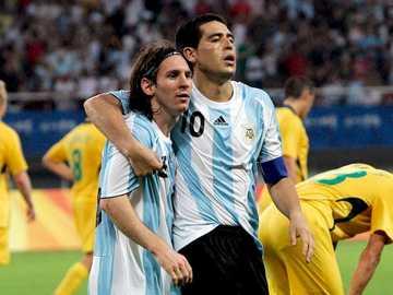 Messi et Riquelme - Deux grands joueurs de l'histoire du football dans un puzzle