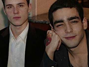 Omar and Aron - Omar Ayuso and Aron Piper, sitting together