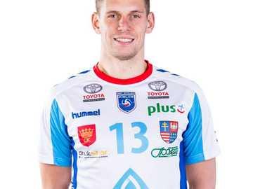 Piotr Adamski (joueur de volleyball) - - Ceci est le meilleur candidat pour le capitaine. Il se caractérise par une grande obstination et