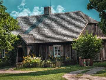 Wooden house - old country house ====