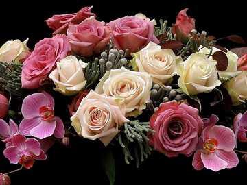 Blumenstrauß mit Rosen und Orchideen - Blumenstrauß mit Rosen und Orchideen