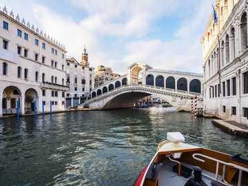 Aguas de Venecia - las aguas contamindas de venvia