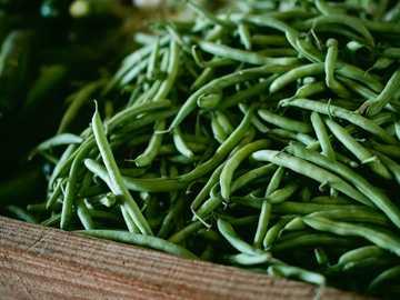 Świeża Fasolka Szparagowa - fotografia fokusowa zielonej fasoli szparagowej.