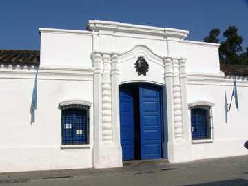 casa de Tucumana - completa la imagen de la casa que reunió los congresales de 1816 que declararon la indecencia