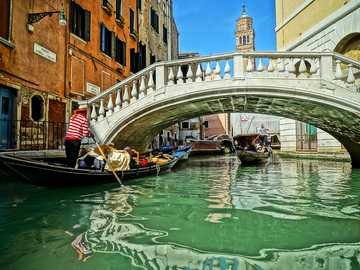 Holiday.... - View of the Venetian canal and bridge