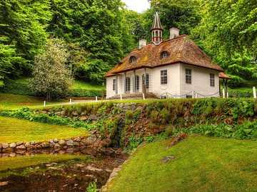 A charming house - Liselund Island Denmark