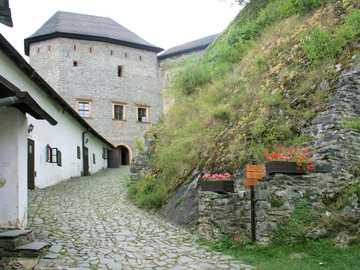 Zamek w Czechach - Średniowieczny Zamek w Czechach