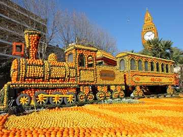 Festiwal cytryn w Mentonie - Spektakl, który rok po roku kąpie miasto Menton. Przez trzy tygodnie owoce cytrusowe są intensywn