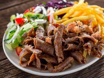 kebab !!!! - na talerzu z frytkami :) !!!!!