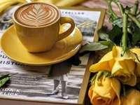 café et jaune d'or