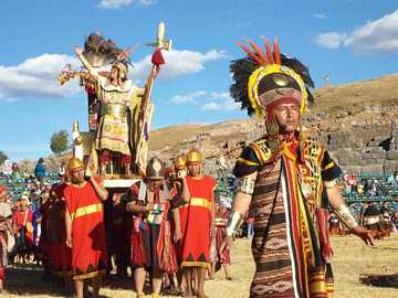 Inti Raymi - It is a very important party in honor of the Sun God, it is celebrated between June 20 and 23 in Cus