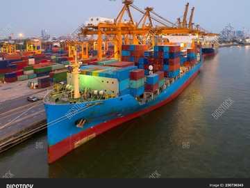 Transport maritime, dans les activités logistiques - composer une unité de transport liée à l'espace maritime